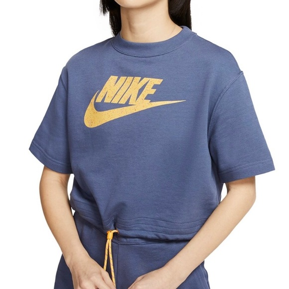 Nike sportswear icon clash cropped top and shorts set s